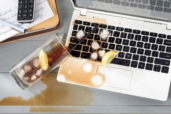 Trong quá trình sử dụng, dù cẩn thận nhưng vẫn sẽ có thể gặp nhiều trường hợp laptop bị vô nước