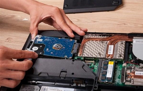 Sửa Máy Tính Pro cung cấp dịch vụ sửa chữa ổ cứng laptop uy tín, giá rẻ